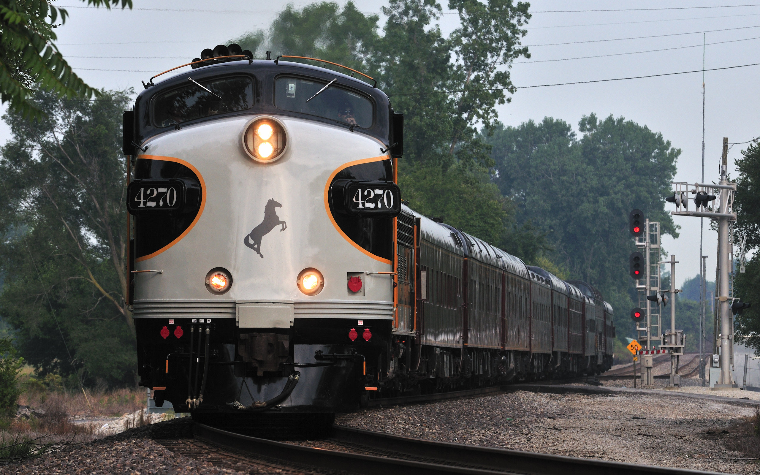 Passenger Train wallpapers and images 2560x1600