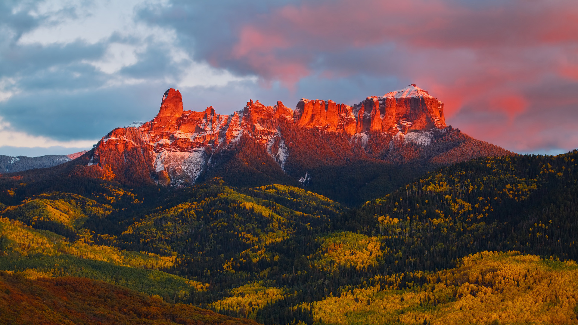 the most awesome display of color Ive seen The alpenglow on the 1920x1080
