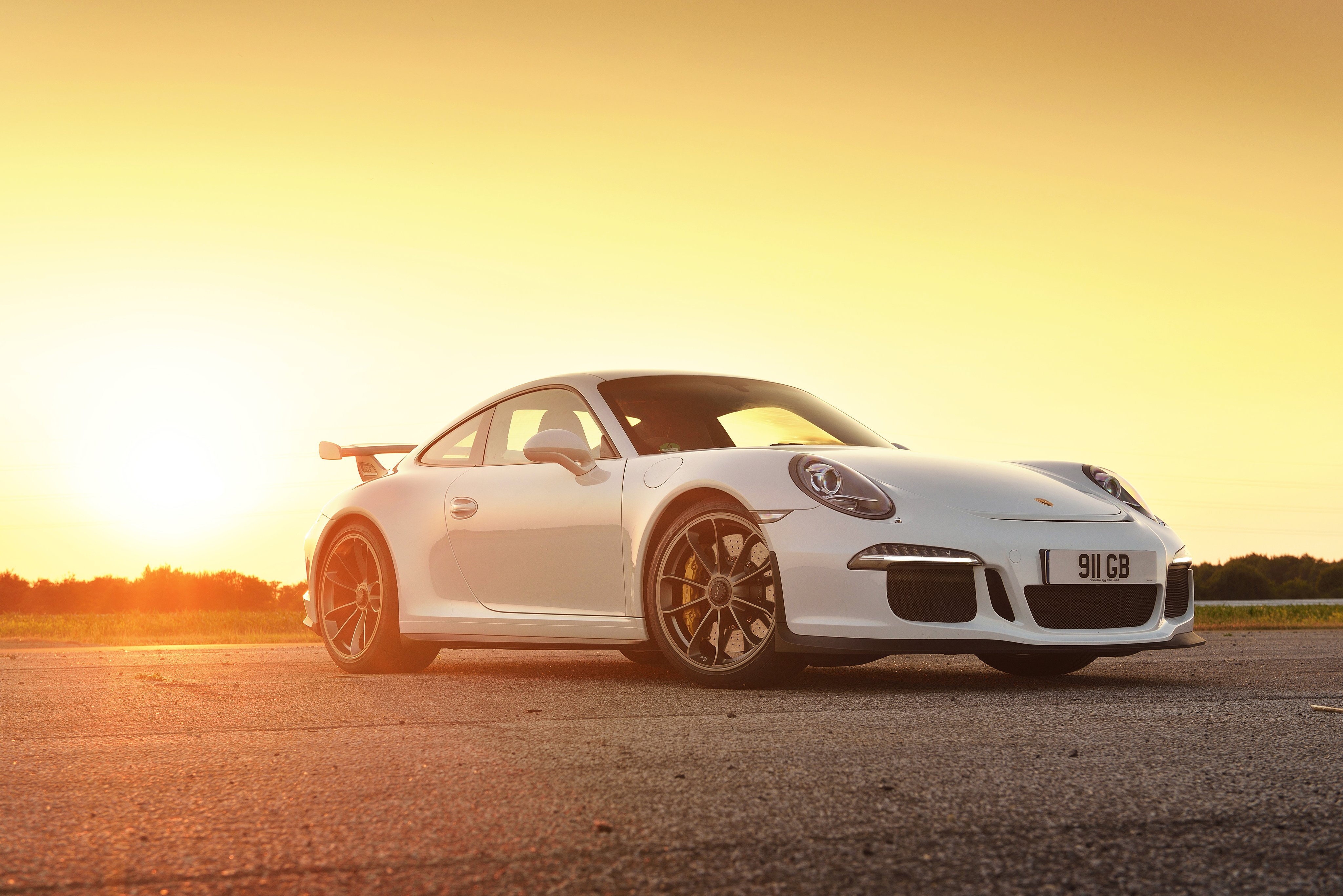 2014 Porsche 911 GT3 UK spec 991 wallpaper 4096x2734 4096x2734