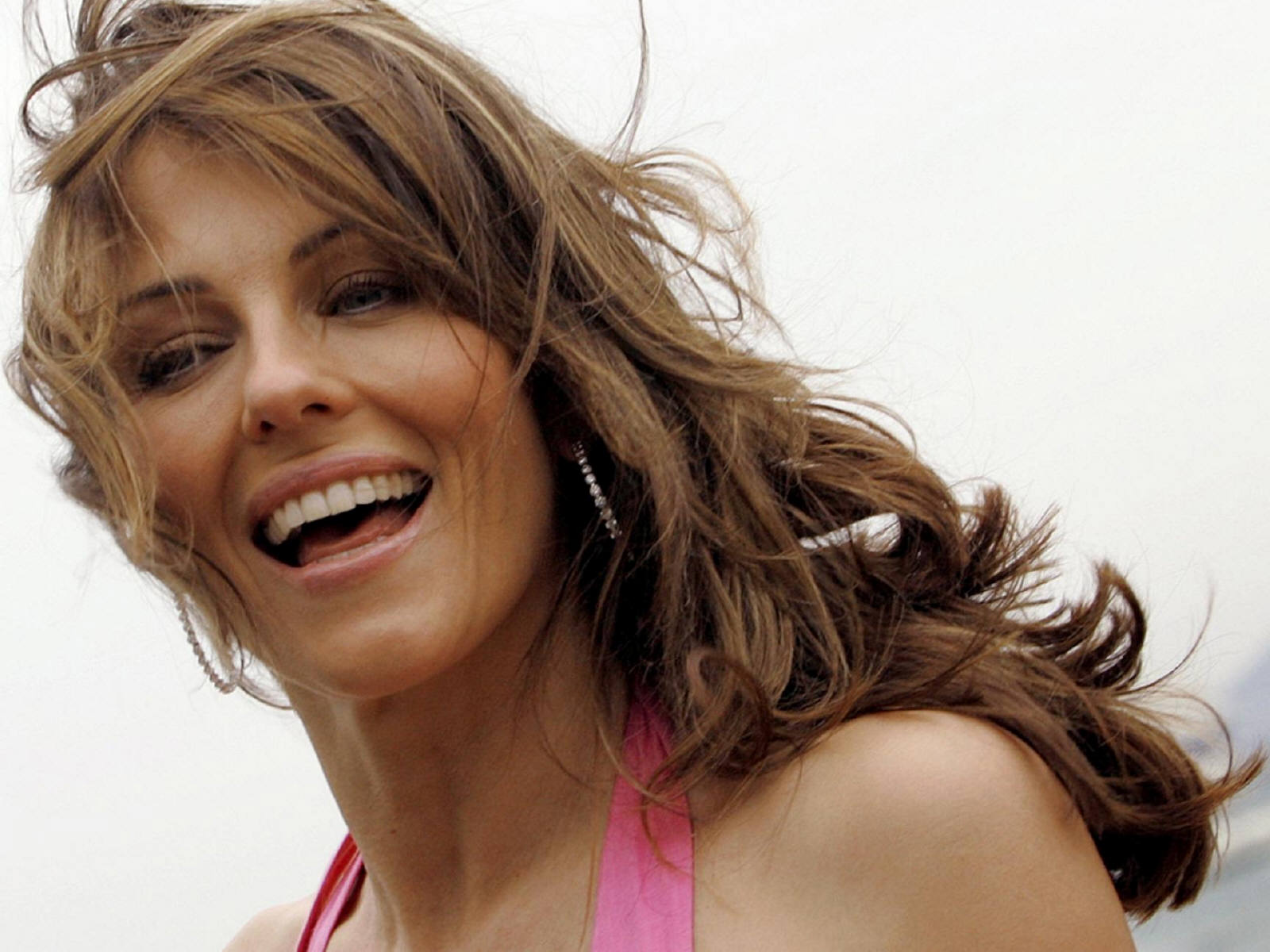 Download High quality Elizabeth Hurley Wallpaper Num 1600x1200