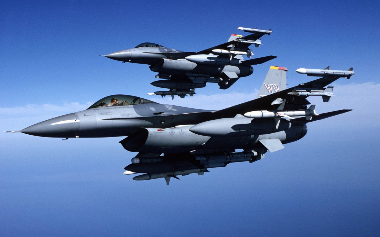 tag general dynamics f 16 fighting falcon wallpapers backgrounds 1600x1000