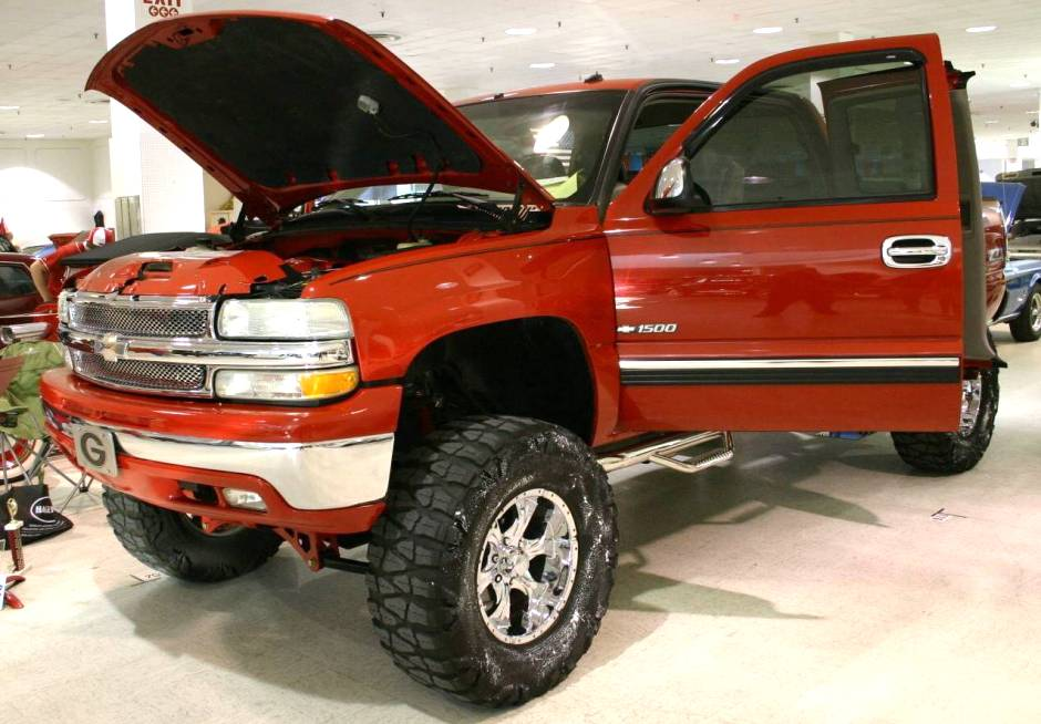 Lifted Chevy Trucks   2002 Chevy 1500 Z71 Off Road Truck 940x654