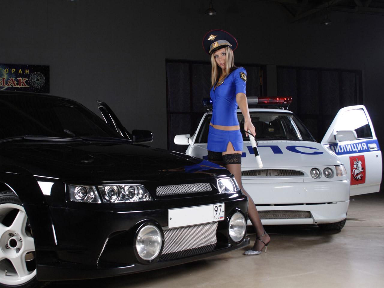 Police Car Custom With Hot Girl Wallpaper 1280x960 Police Car Custom ...