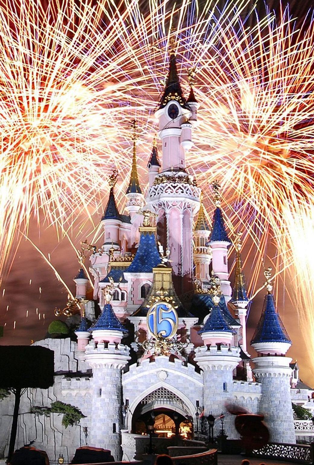 Disneyland iPhone Wallpaper - WallpaperSafari