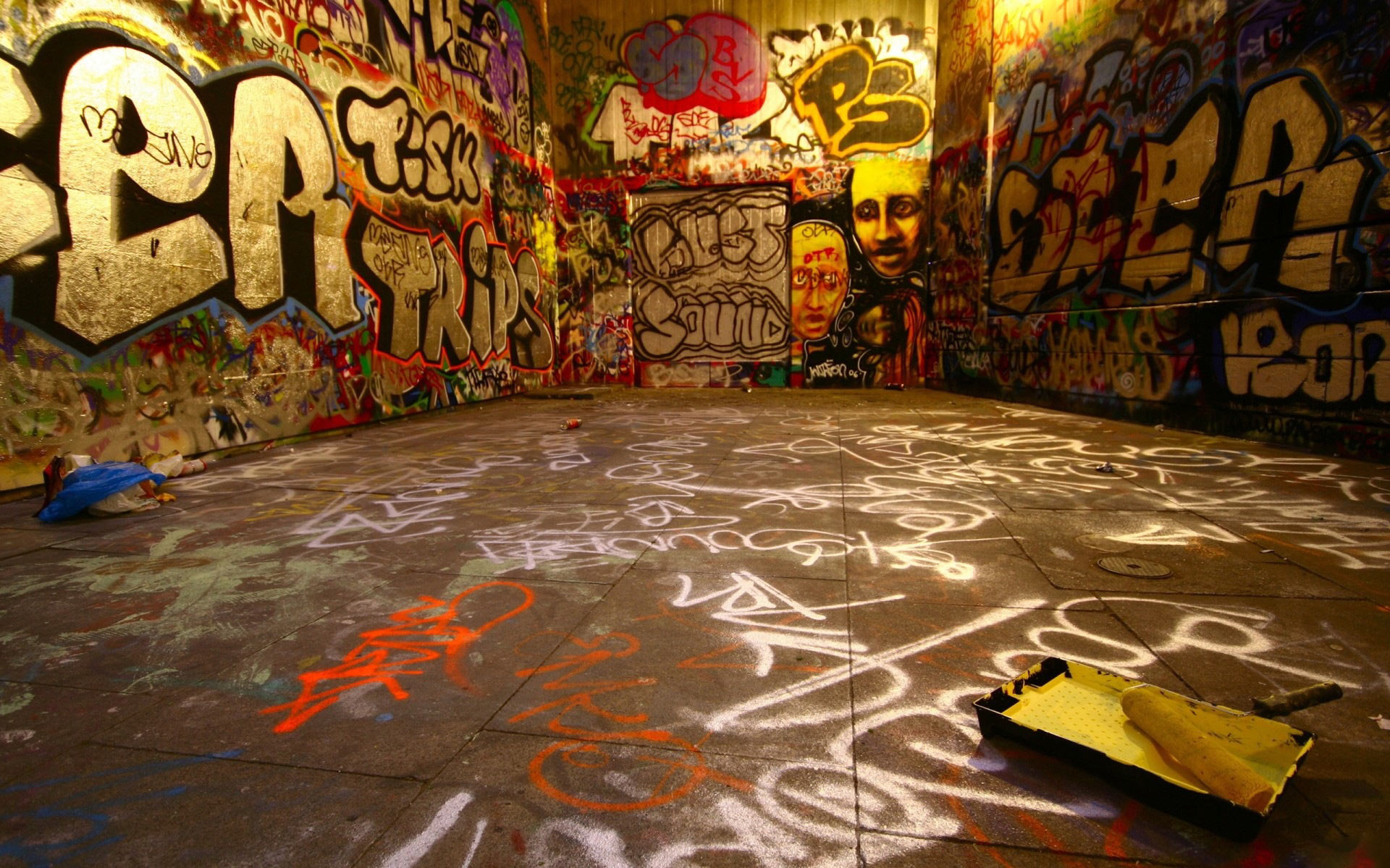 WallSheets Graffiti Room Desktop Wallpapers and Backgrounds 1920x1200
