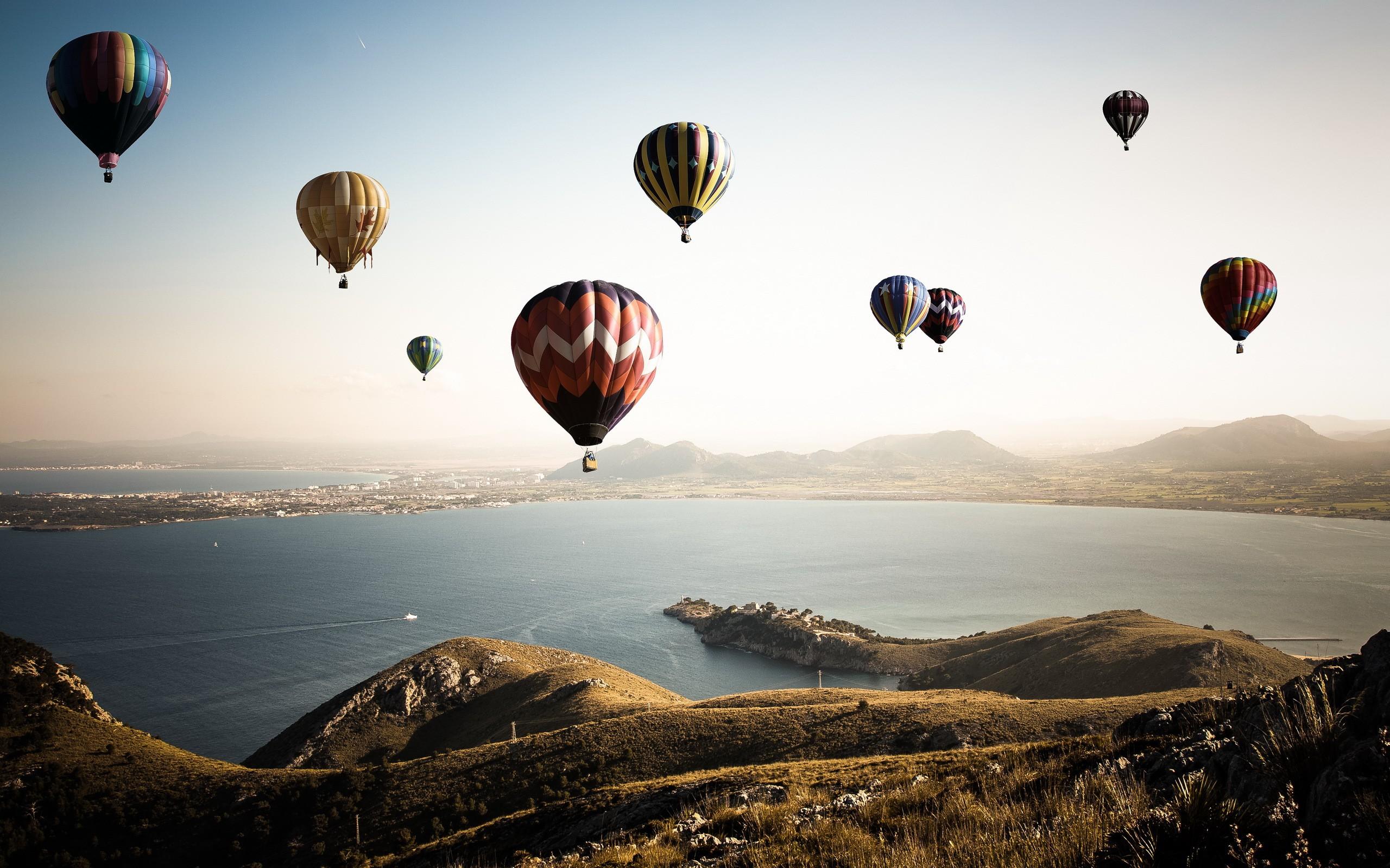 Colorful Hot Air Balloons HD wallpaper 2560x1600 Colorful Hot Air 2560x1600