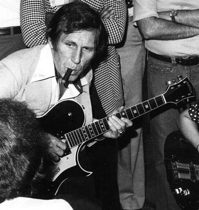 chet atkins Guitars and their players Pinterest 664x700