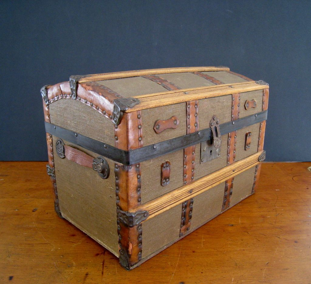 Antique Dome Top Doll Trunk c1900 Miniature Steamer Trunk RCL233 1024x936