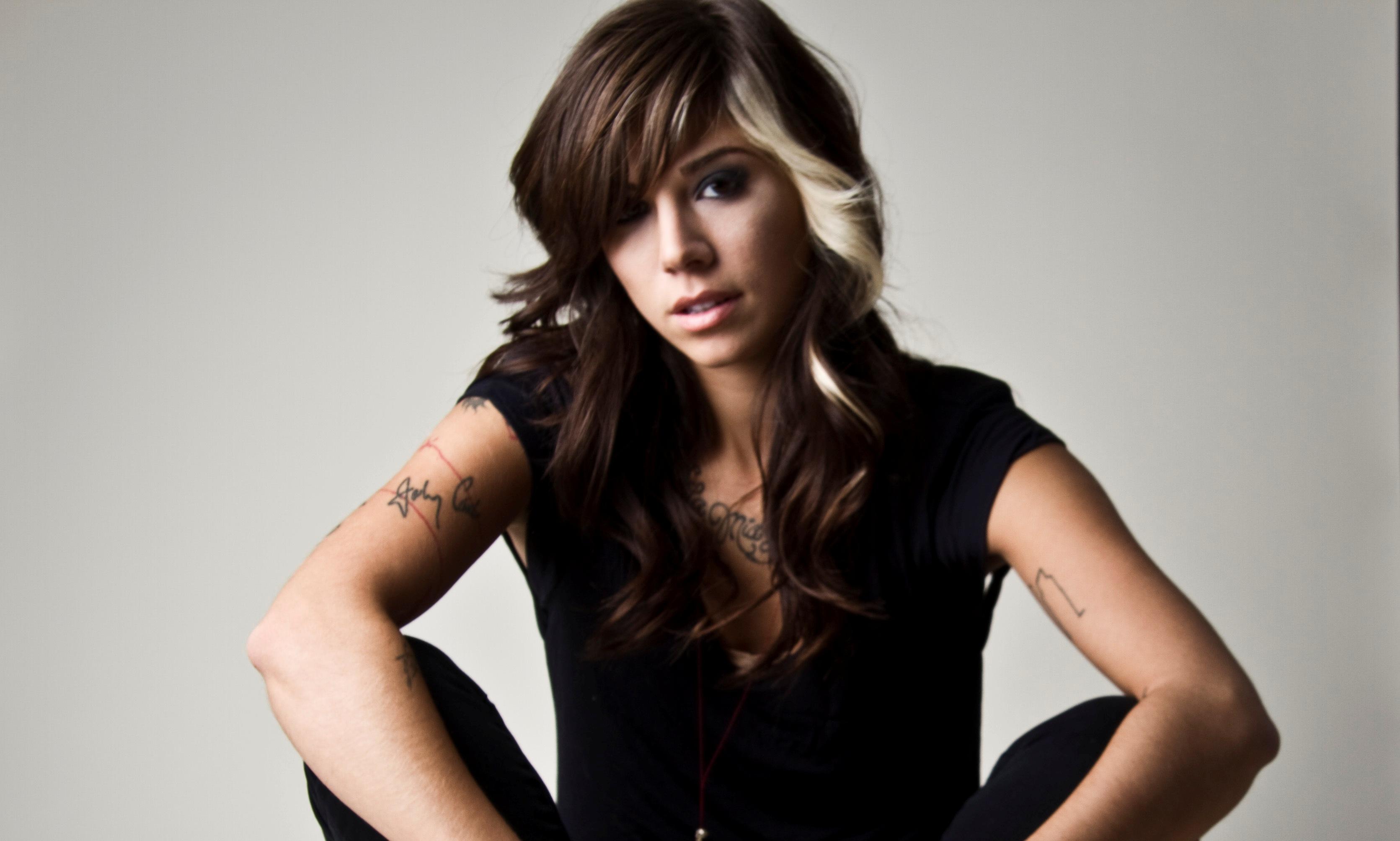 Listen To Christina Perris New Single Human Entertainment 3342x2008