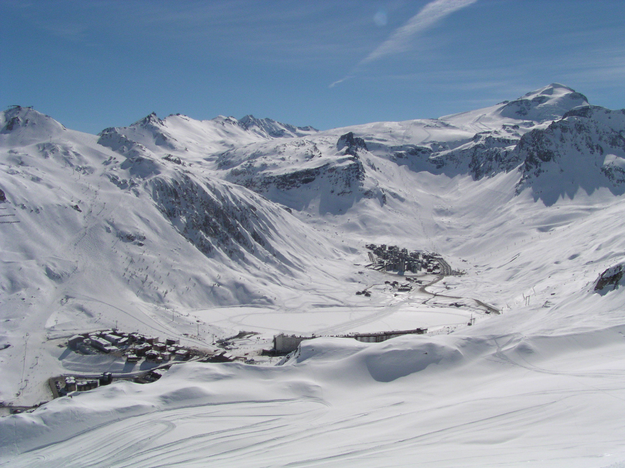 Mountain Valley ski resort Tignes France wallpapers and images 2048x1536