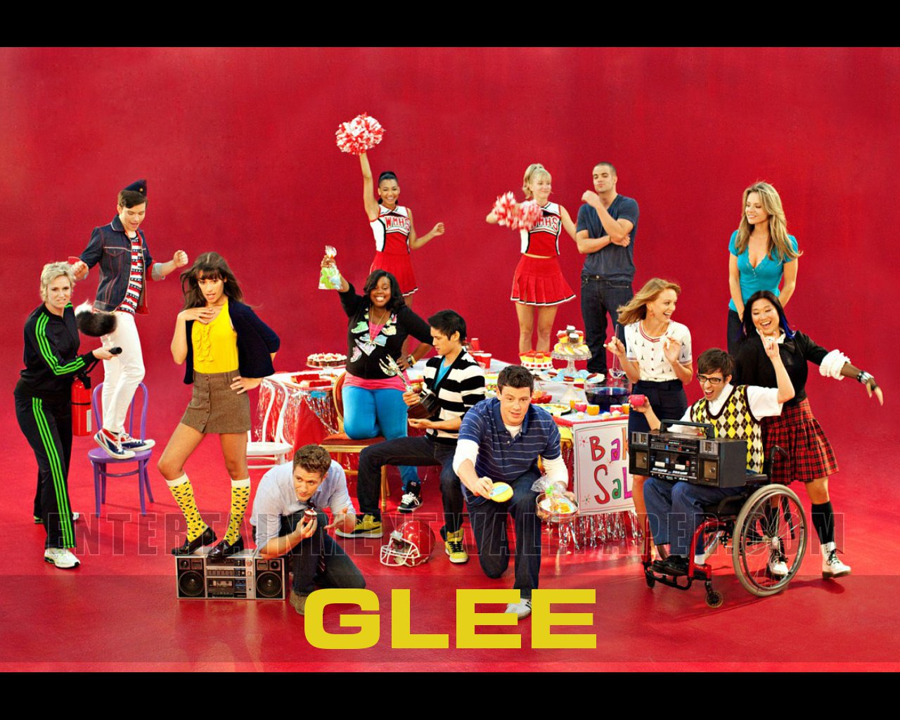 tv show glee wallpaper 20037474 size 1280x1024 more glee wallpaper 1280x1024