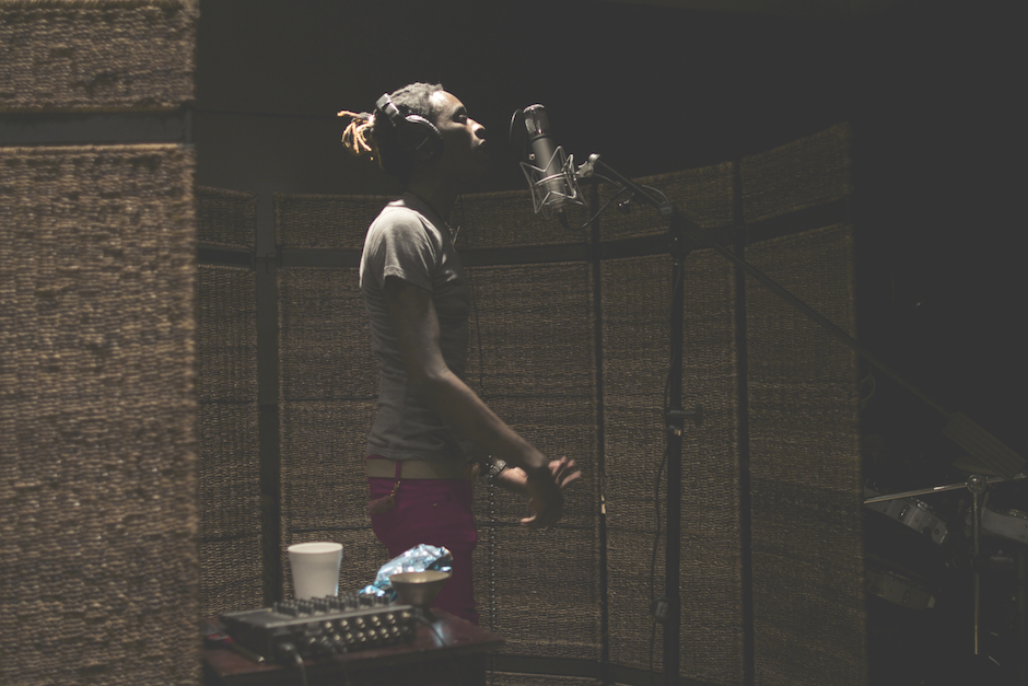 Young Thug In Studio HD Walls Find Wallpapers 940x627