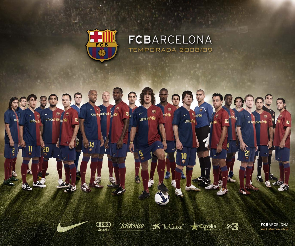 football soccer wallpaper barcelona team squad 01 800x600jpg 1233x1029