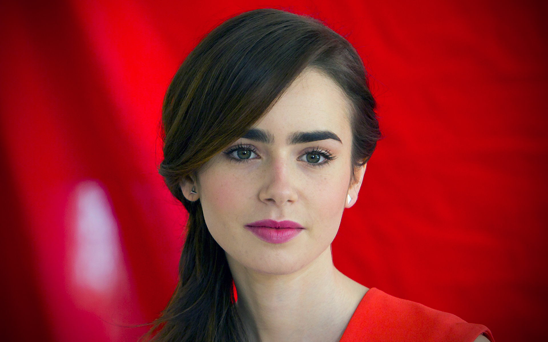 29 Beautiful HD Lily Collins Wallpapers   HDWallSourcecom 1920x1200