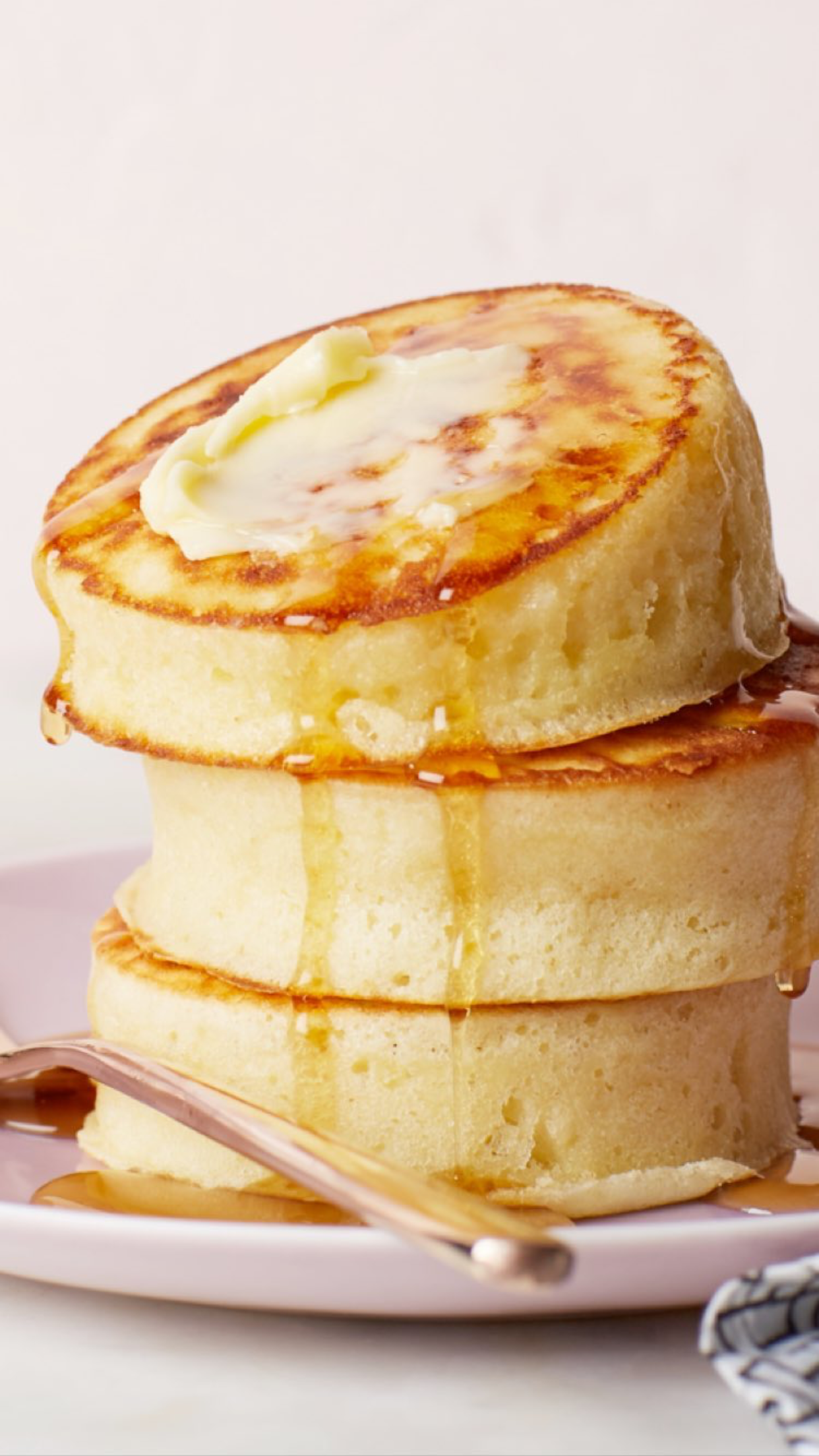 Fluffy pancakes iPhone cellphone android lock screen wallpaper 1242x2208