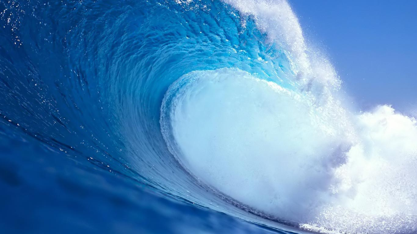 Blue Beach Waves 1366x768