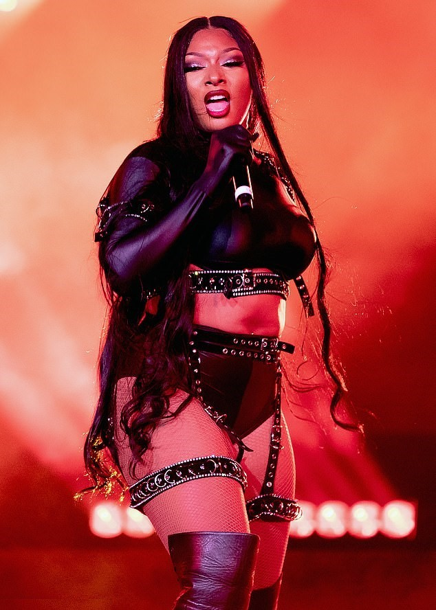 Iphone Megan Thee Stallion Wallpapers   KoLPaPer   Awesome HD 634x888