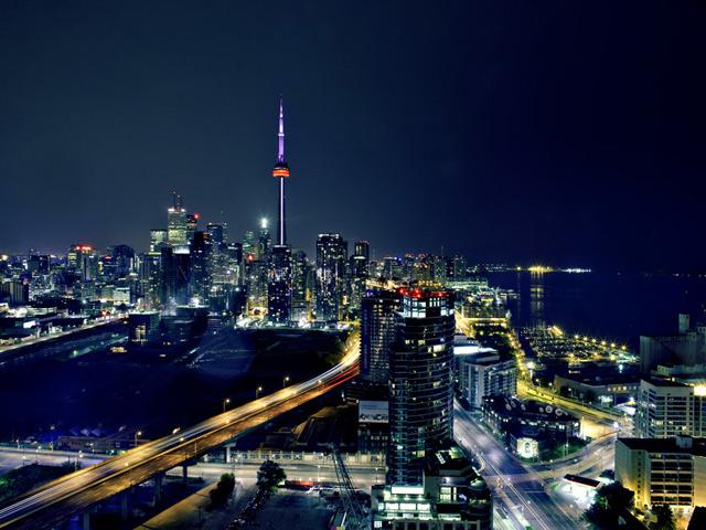 TorontoCanadaNightCityTower 640x480