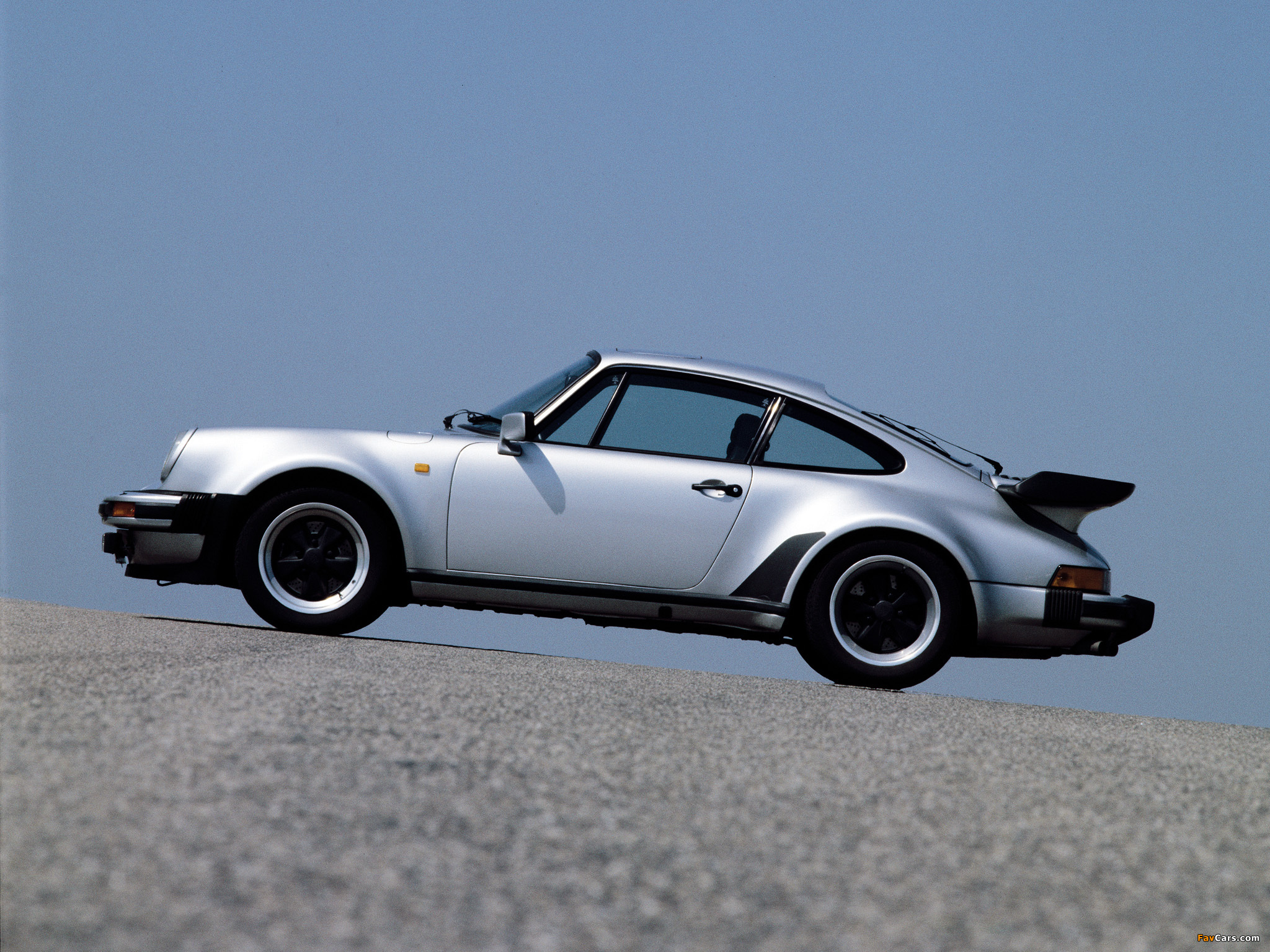 Wallpapers of Porsche 911 Turbo 33 Coupe 930 197889 2048 x 1536 2048x1536