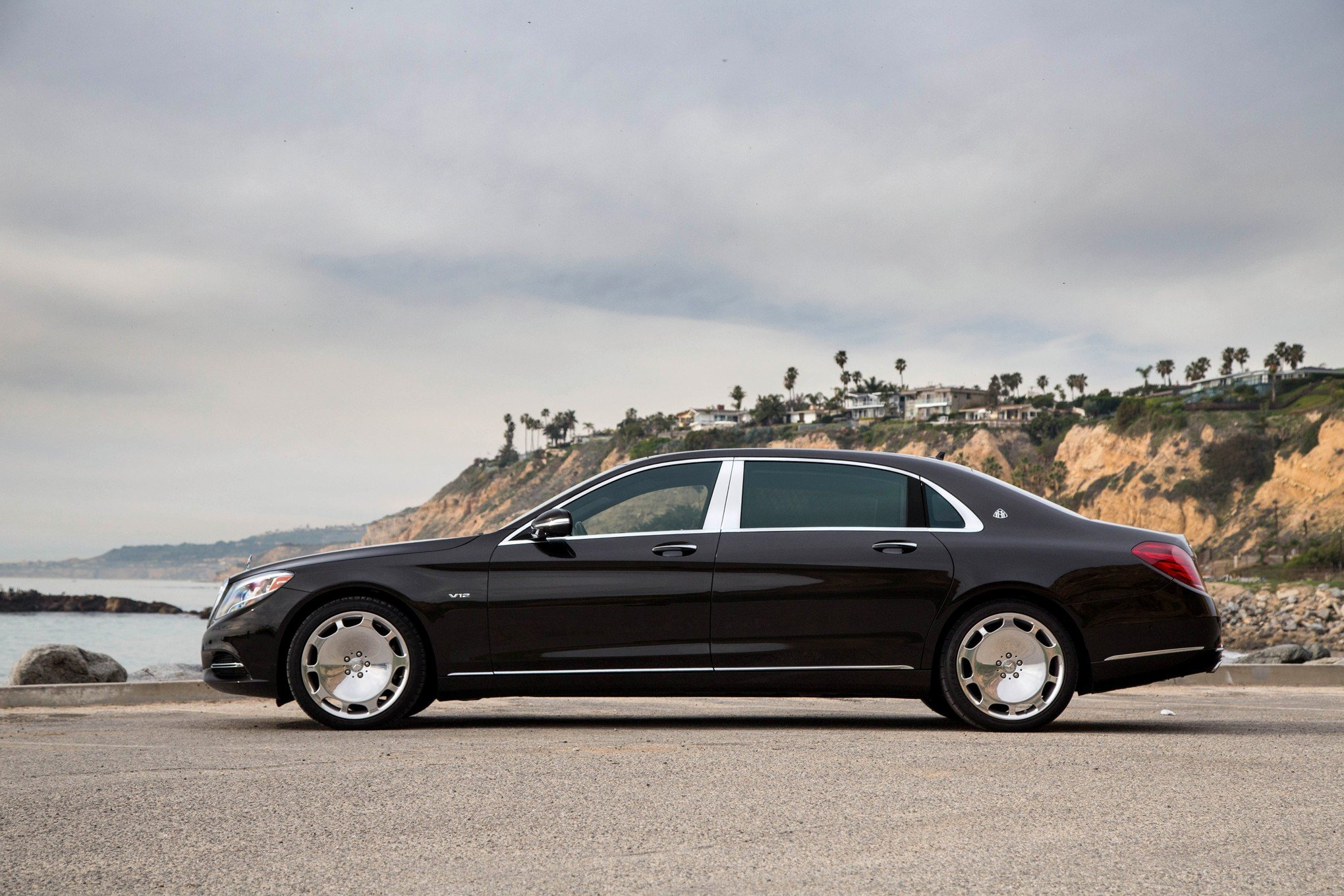 Mercedes Maybach S600 Wallpapers HD Download 2040x1360