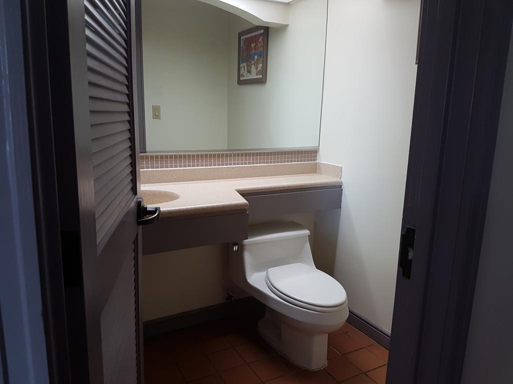 Hotel Santa Fe Tamuning Guam   Bookingcom 1024x768