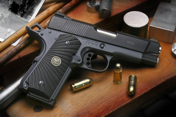 Sfera Gun Club Wilson Combat Bill Wilson Carry 45 ACP 600x400