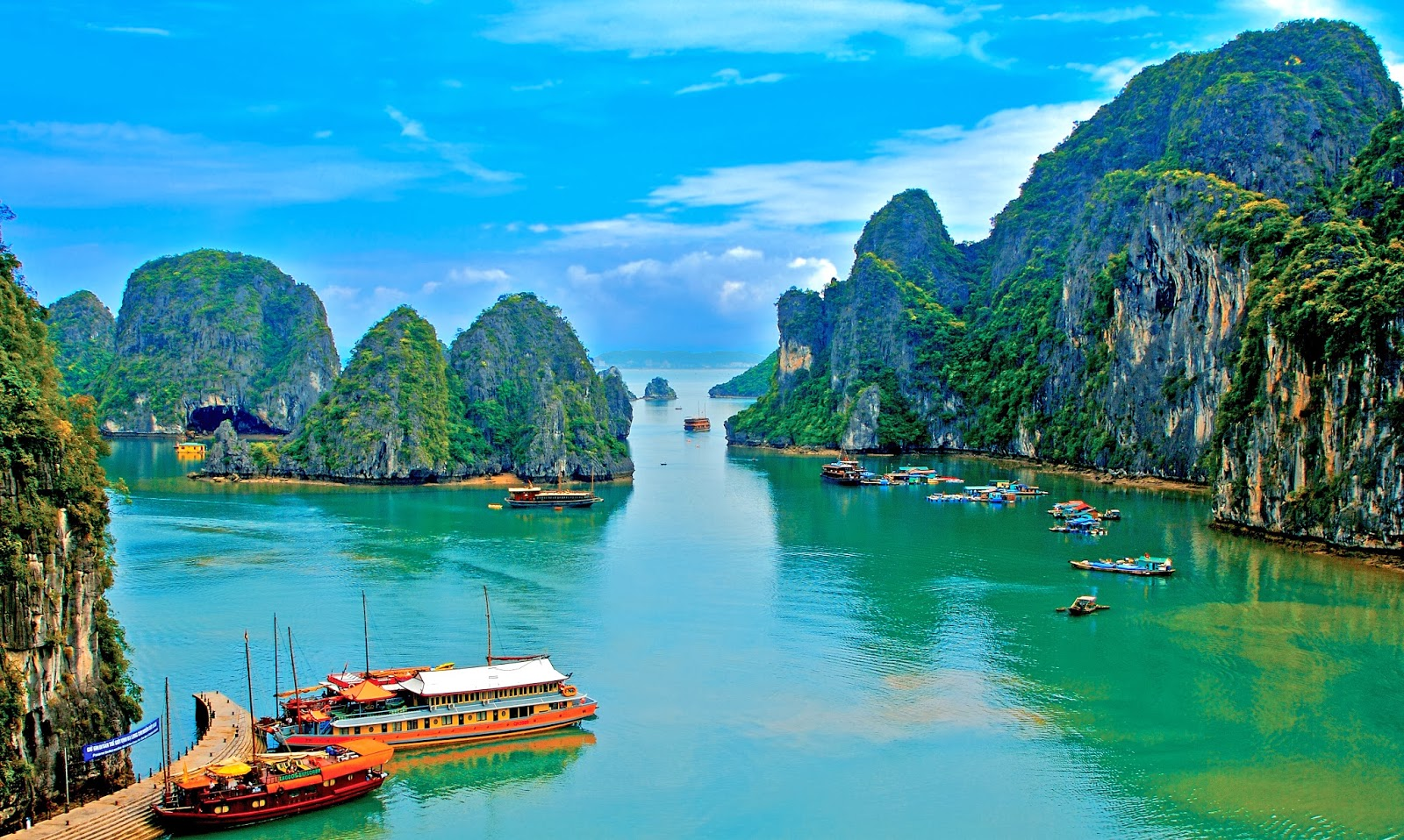 Long is considered as the most beautiful scenery in Vietnam in Vietnam 1600x958