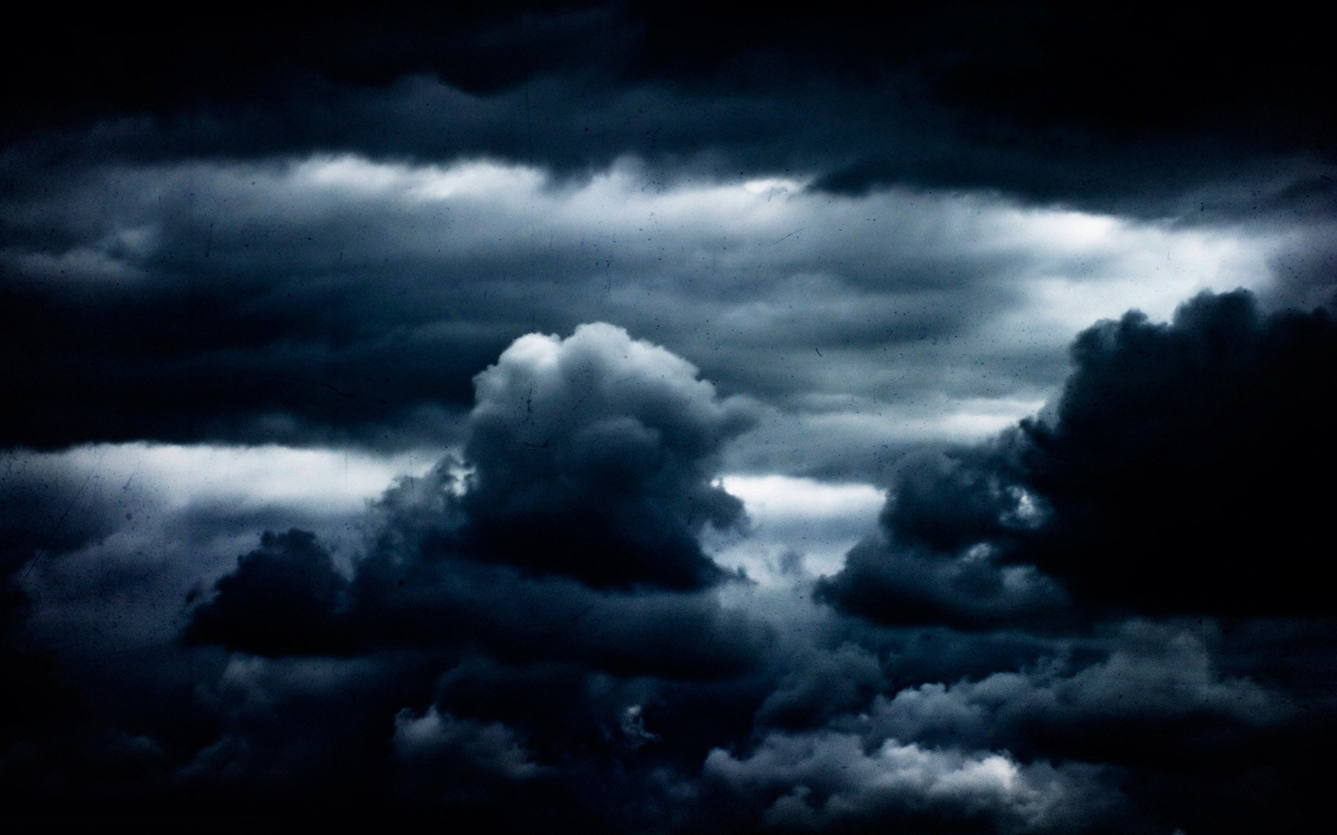 Dark clouds wallpaper 11508 1920x1200