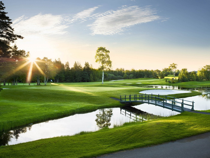golf course pictures 700x526