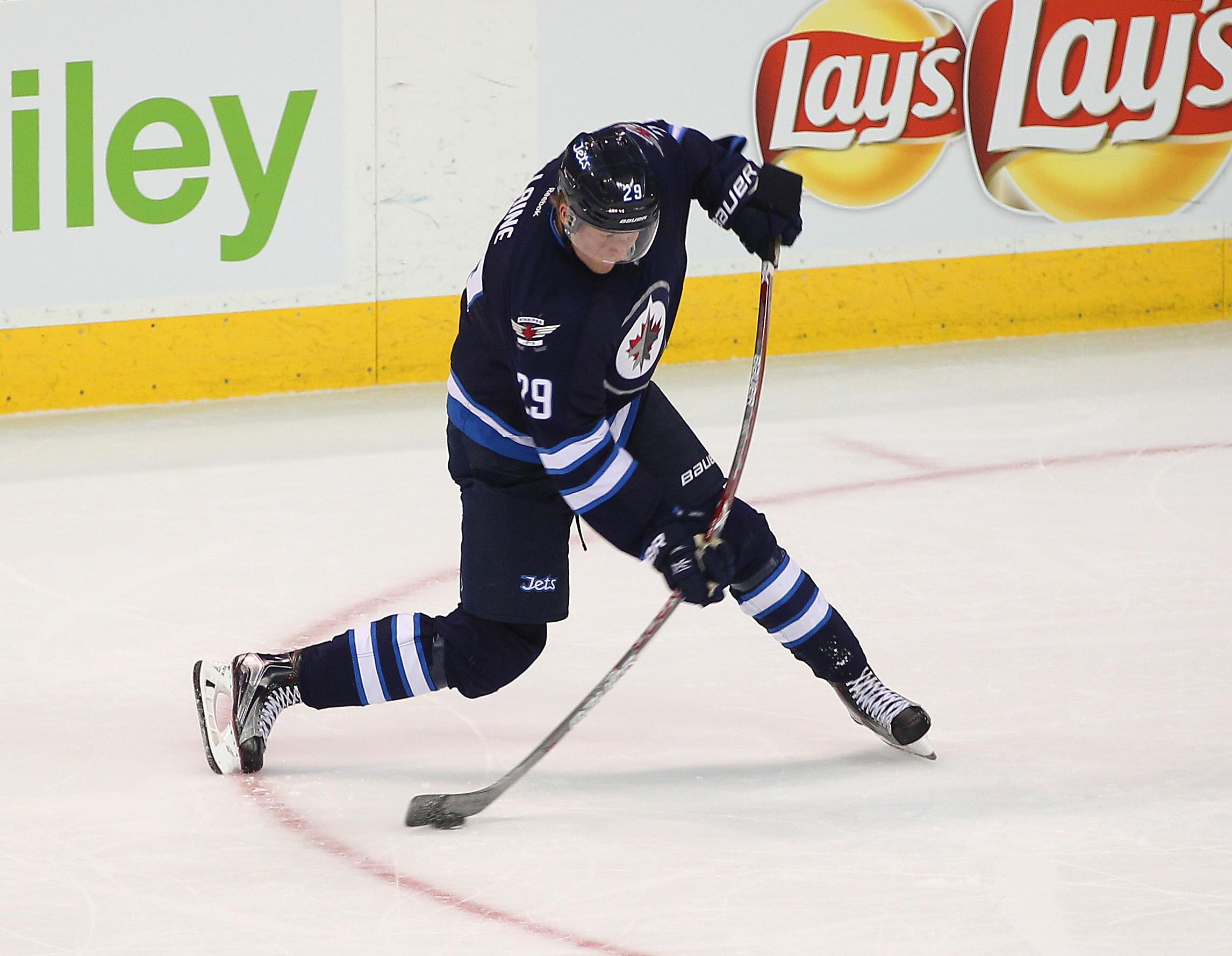 NHL Power Rankings Chicago Blackhawks Hold Firm Despite Win 2292x1779