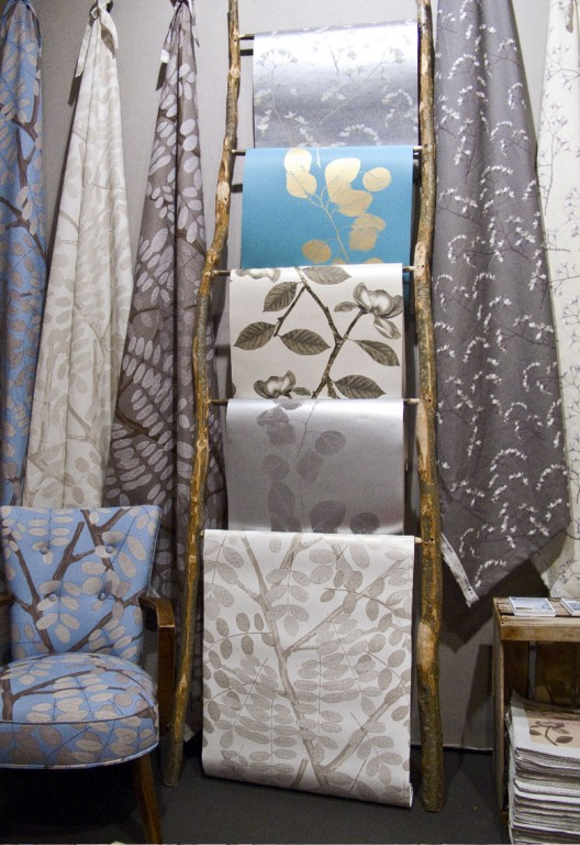 that lent itself very well for displaying and draping fabric over 528x768