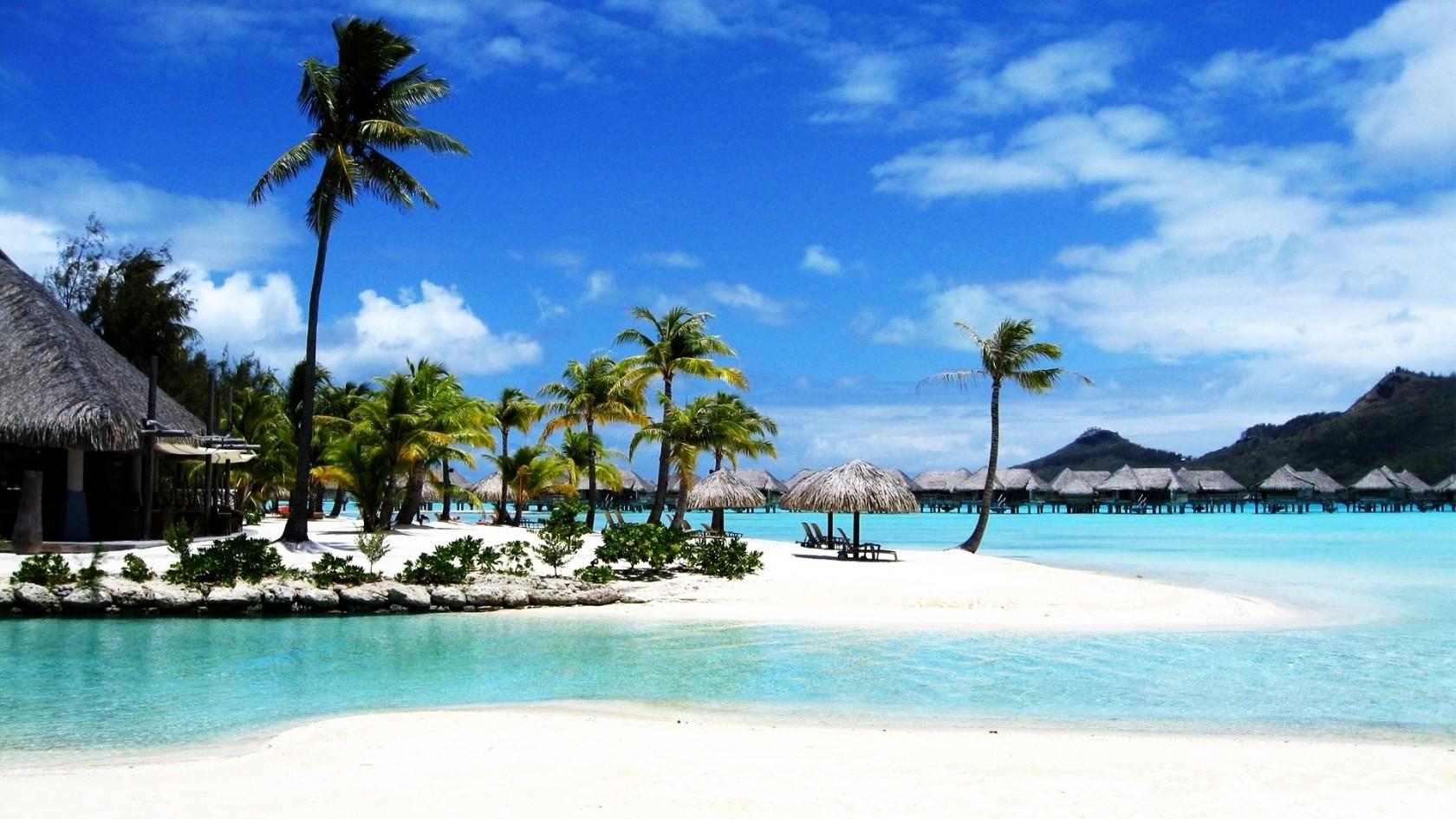 Tropical Beach Resort HD Wallpaper Tropical Beach Resort 1680x945