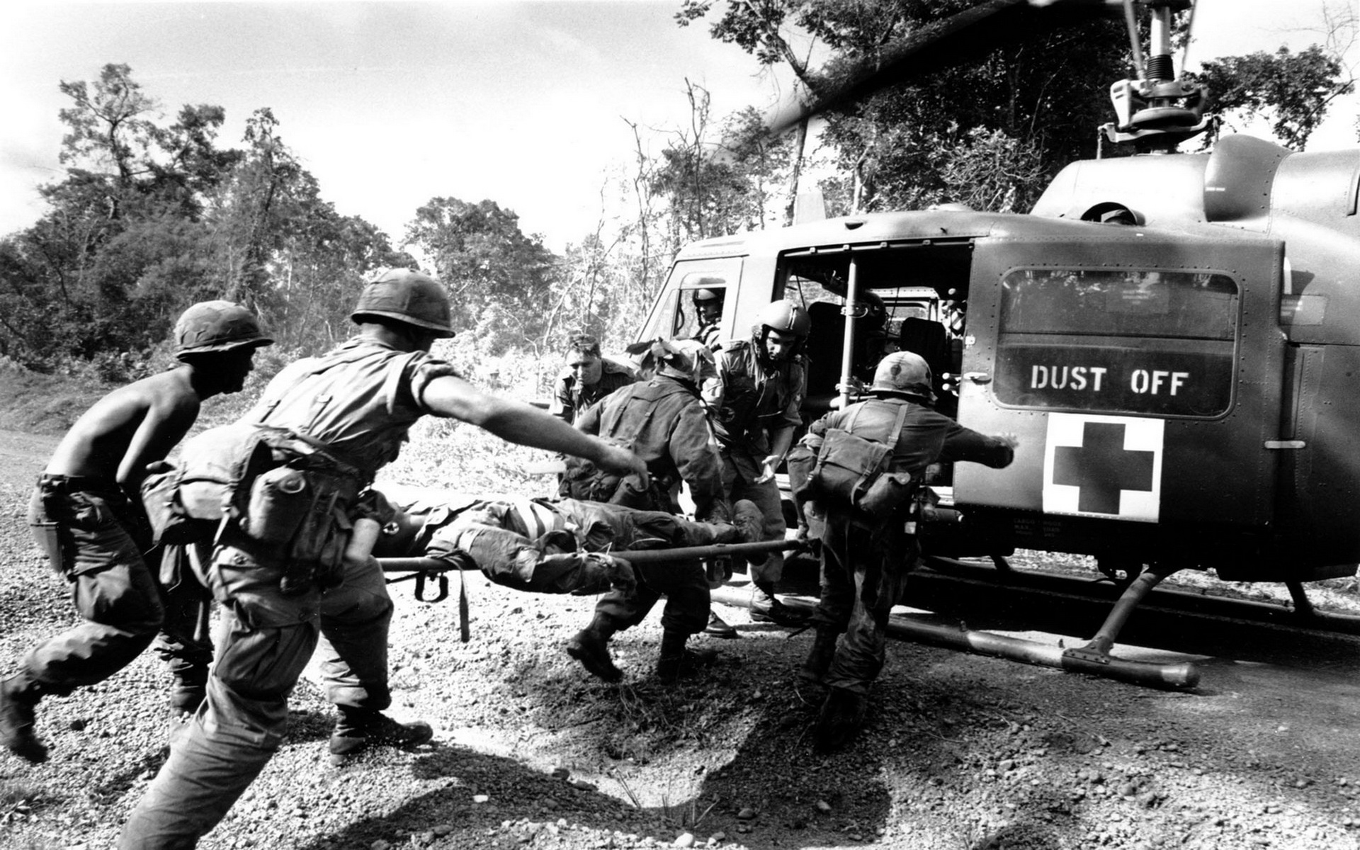 Vietnam War Wallpapers helicopter soldiers Save The Brave 1920x1200