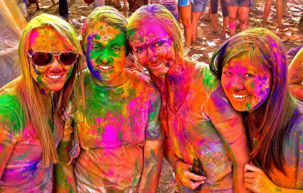 Holi Festival Latest Pictures Wallpapers Ultra HD 4K 990x631