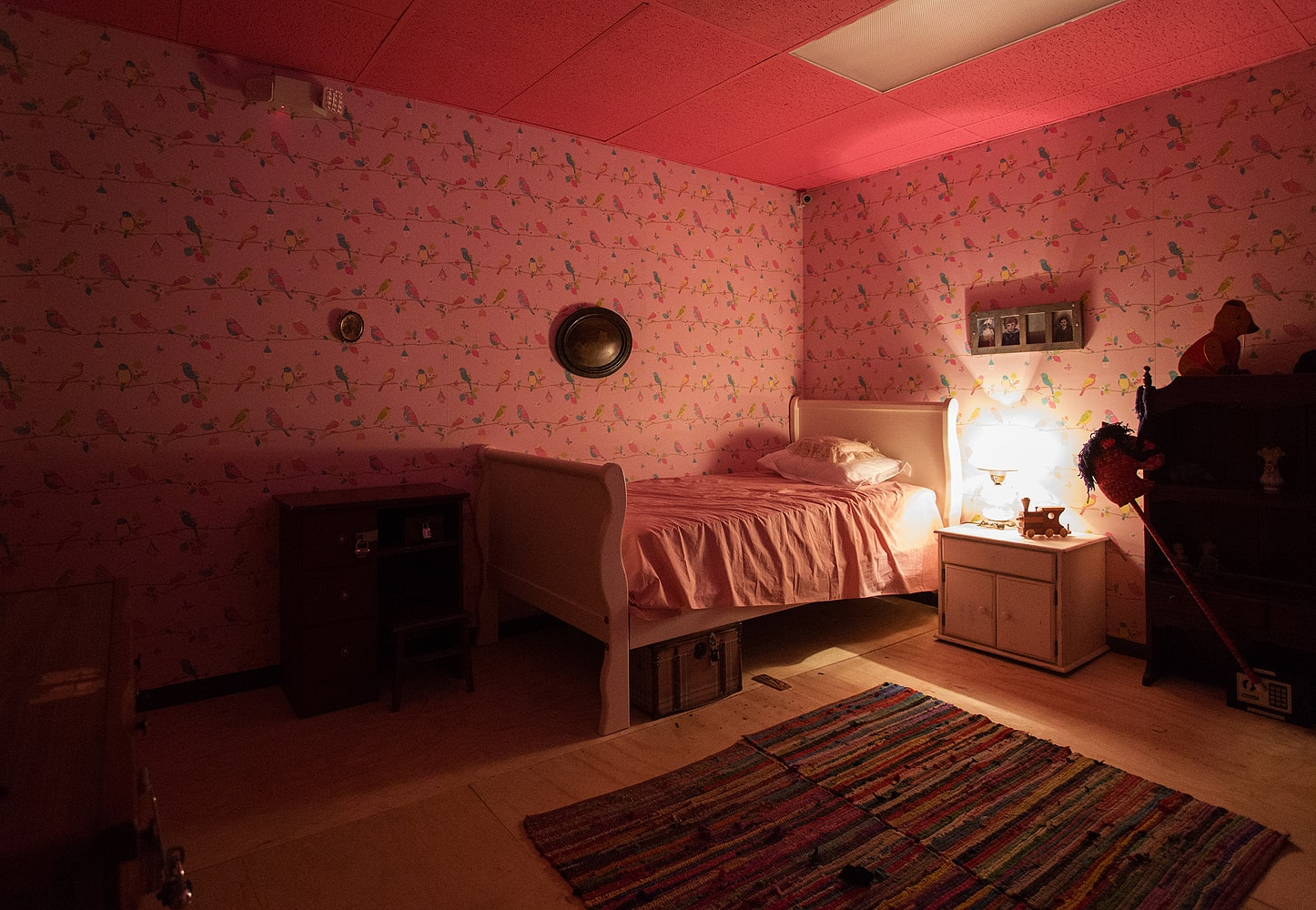 HD wallpapers scary living room escape game walkthrough 1446x1000