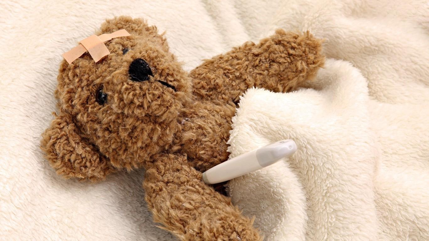 Sick teddy wallpaper 6304 1366x768