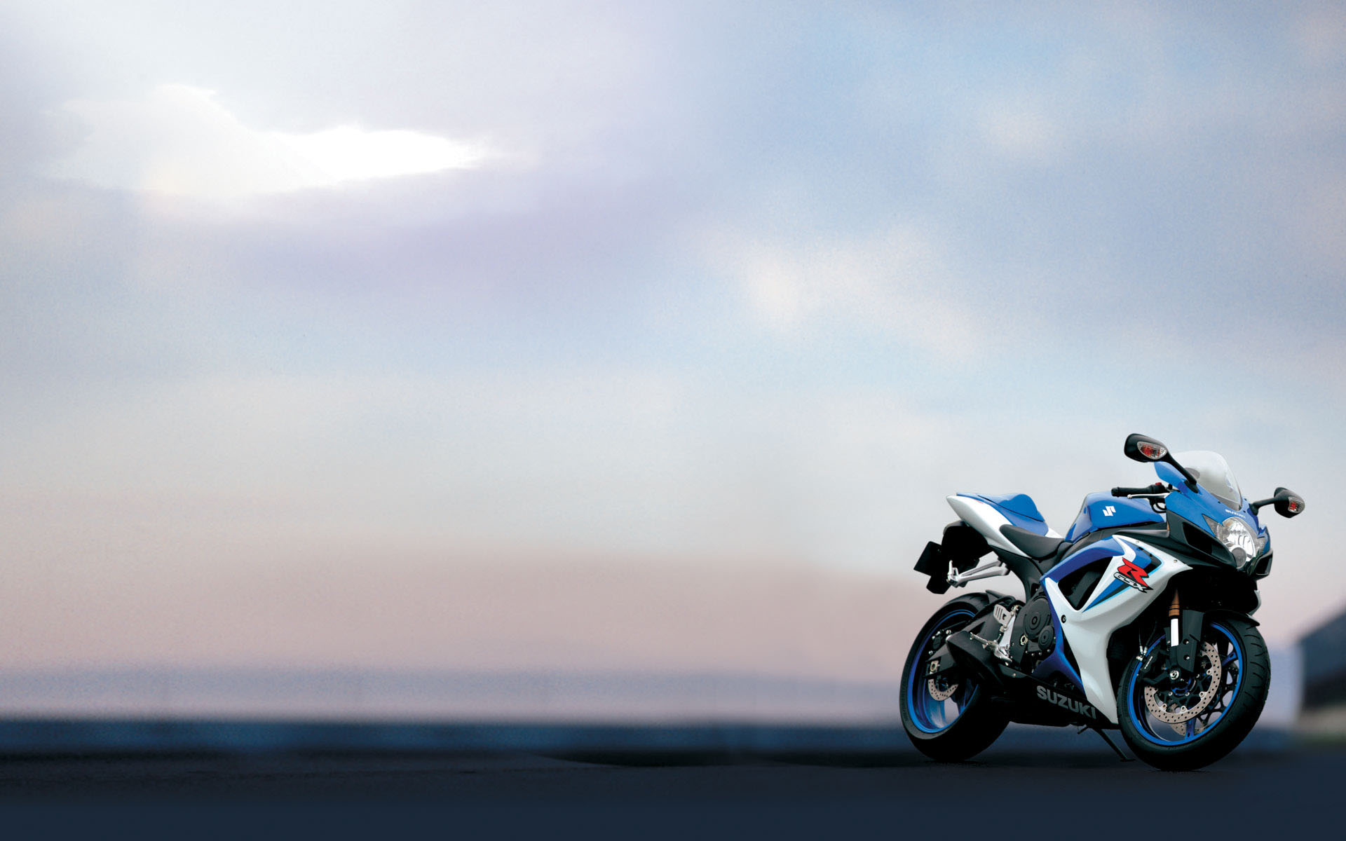 Suzuki moto  № 1582152 загрузить