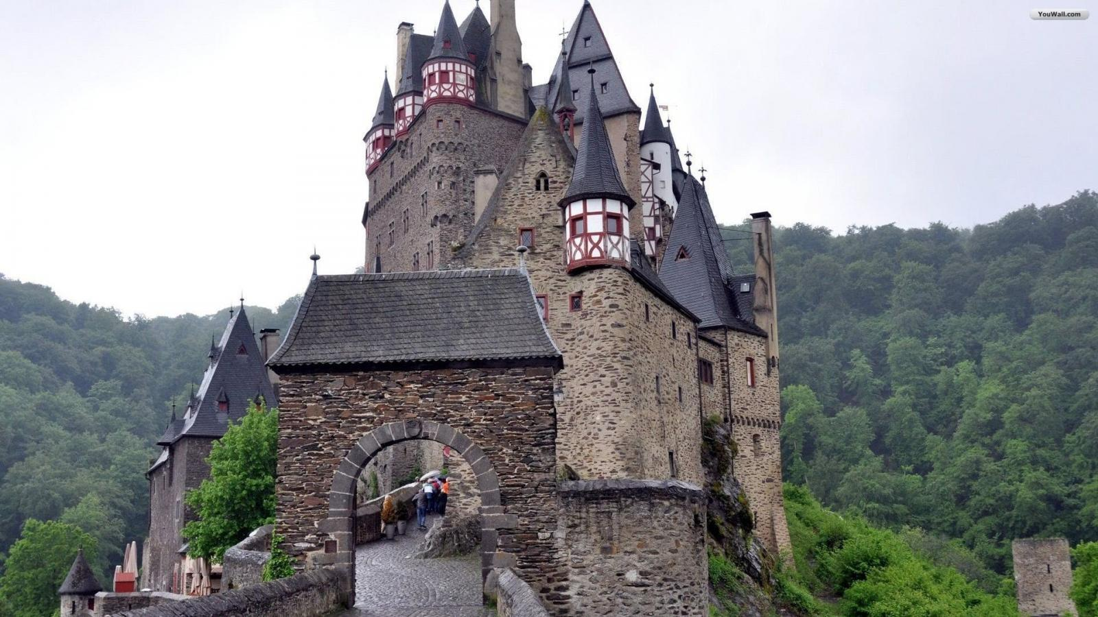 German Castle Wallpaper   wallpaperwallpapersfree wallpaper 1600x900