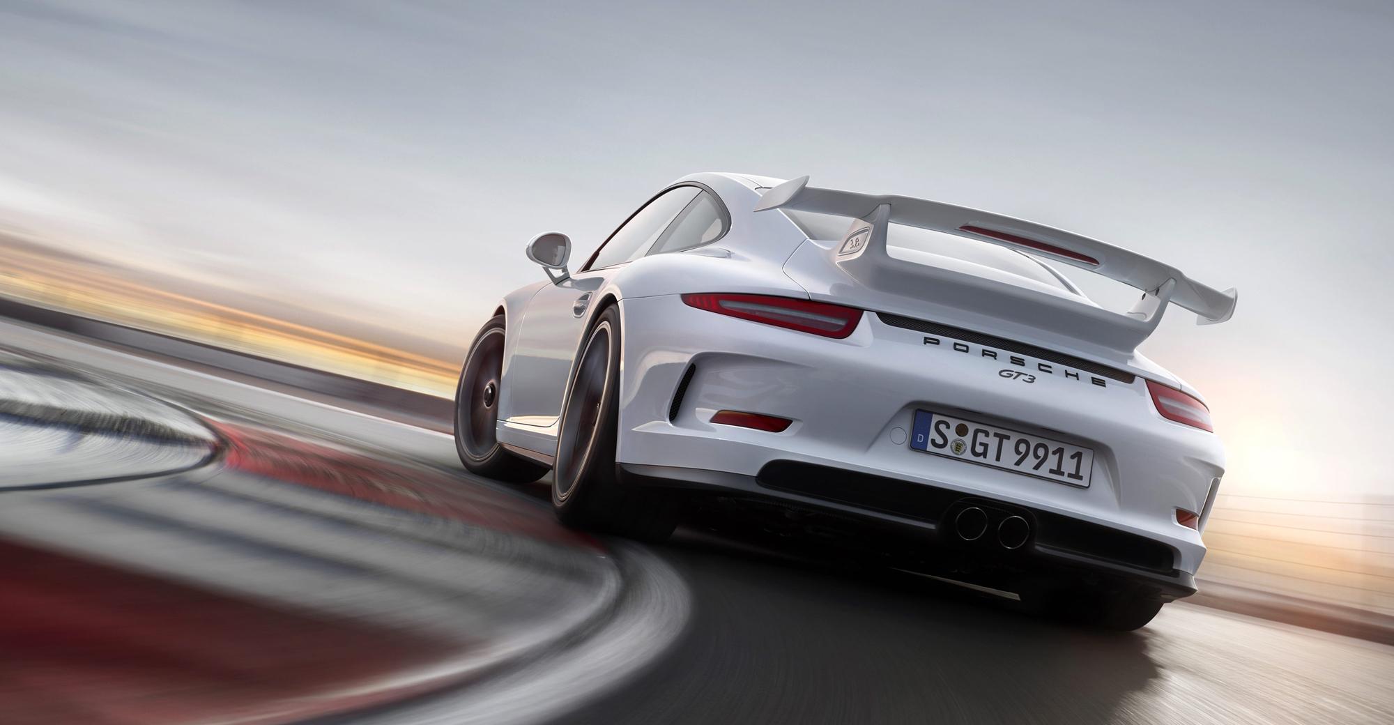 2014 Porsche 911 GT3 HD Wallpaper 2000x1040