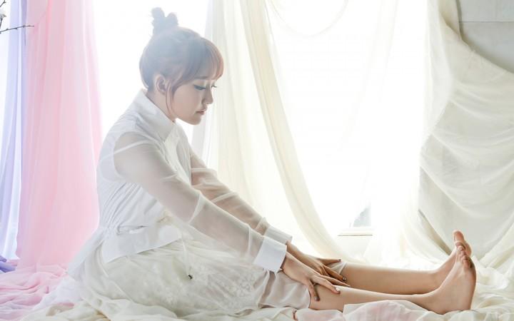 girl asian korean bed Beautiful beautiful cute legs feet wallpaper 720x450
