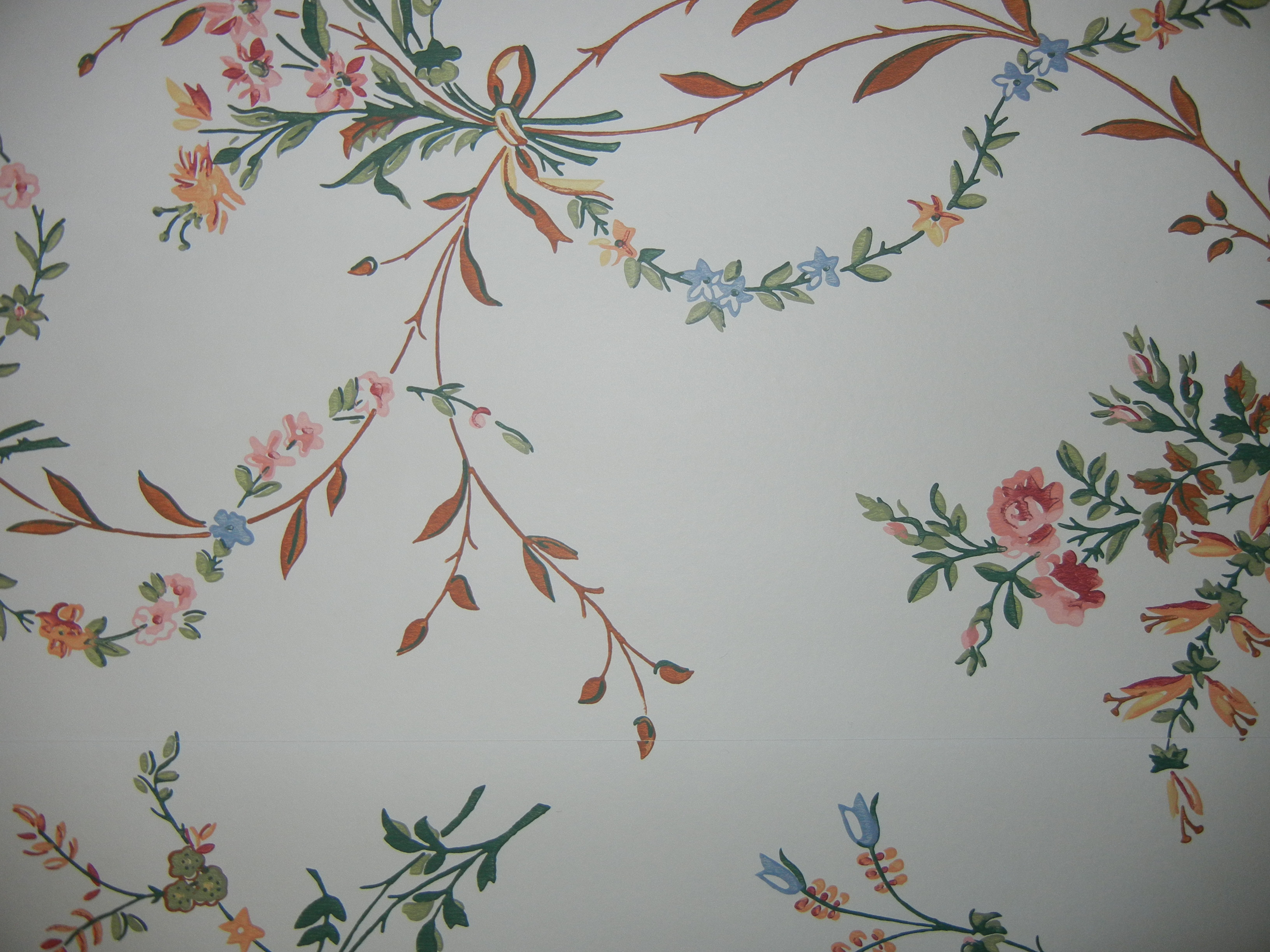 Historic Thomas Strahan Reproduction Wallpaper Quaint Victorian CALICO Floral
