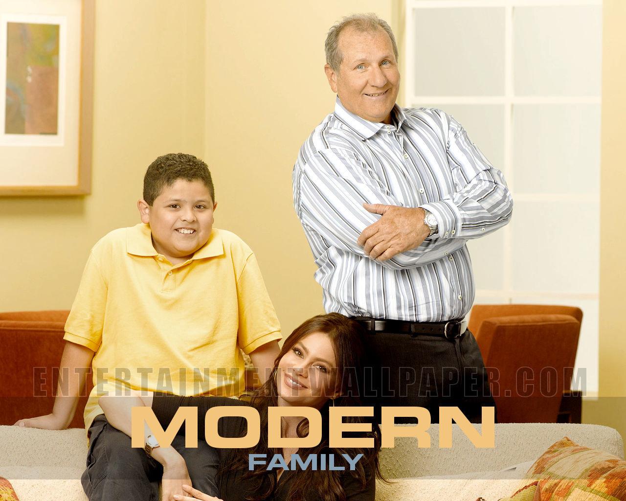 Modern Family Wallpaper   Modern Family Wallpaper 13884803 1280x1024
