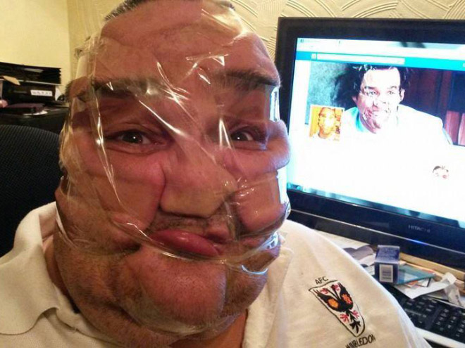 Funny Bathroom Selfies 15 Desktop Wallpaper 660x495