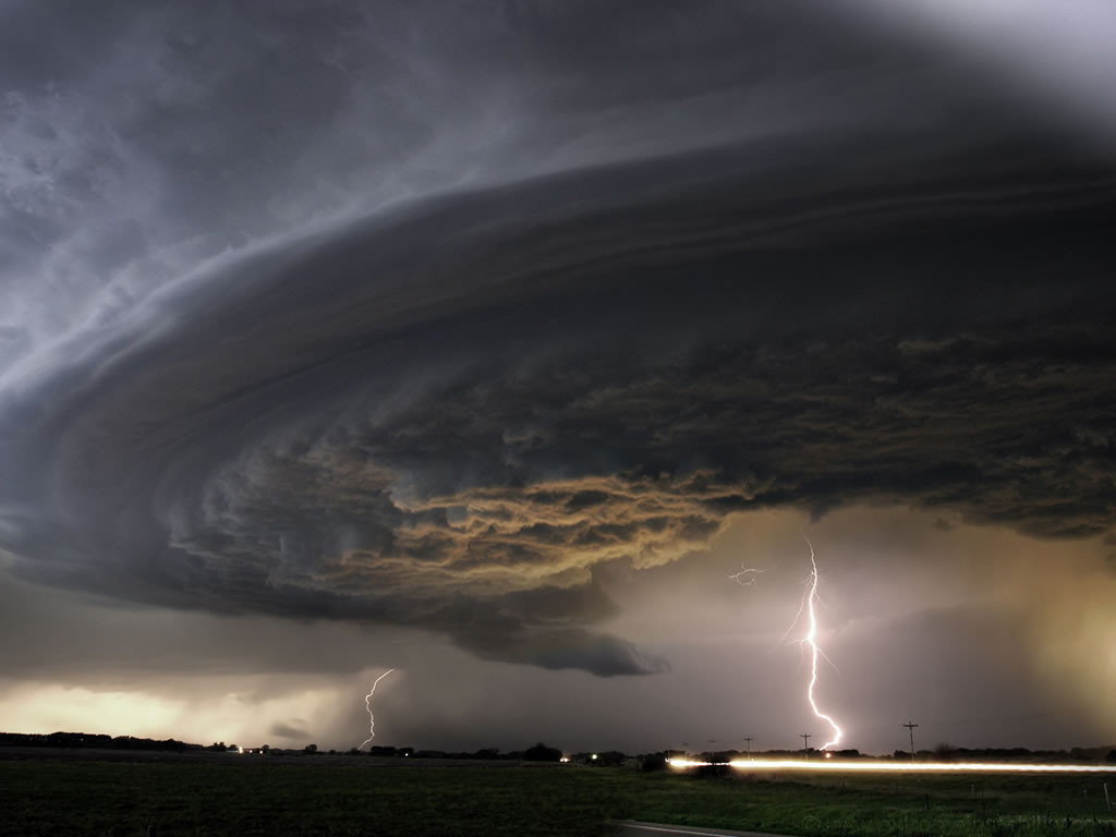 wallpaper ID 550 rotating supercell speed aprox 150 mph 1024x768