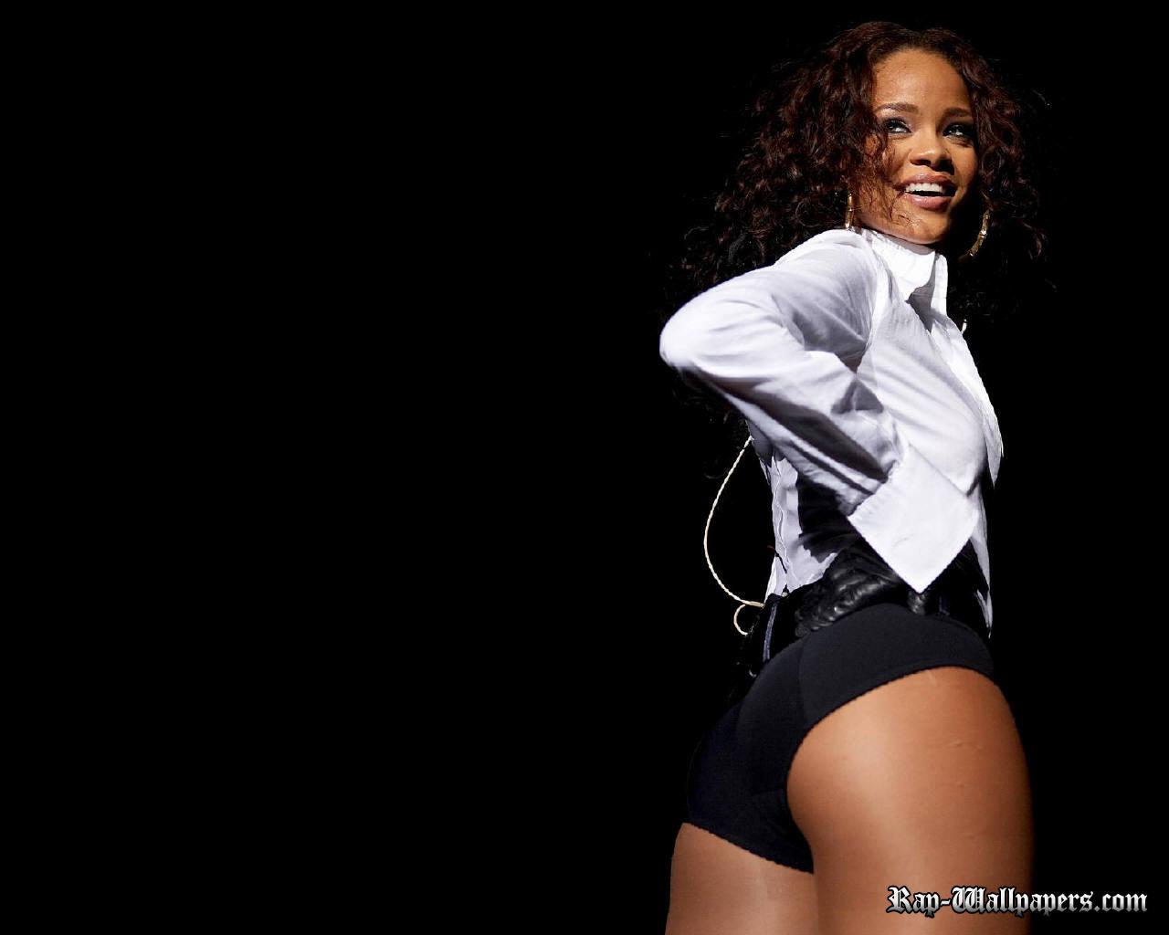 Rihanna Wallpaper 1280x1024