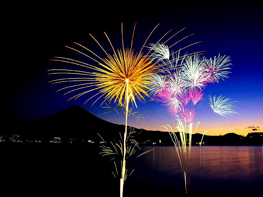 Firework Wallpapers Screensavers - WallpaperSafari