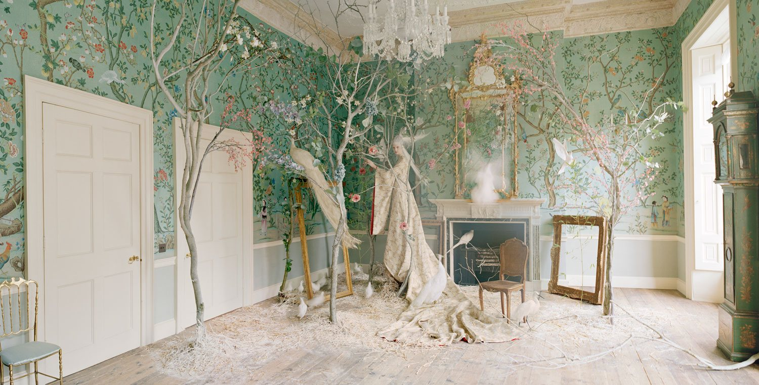 How de Gournay Crafts Hand Painted Wallpapers of Inexplicable 1500x762