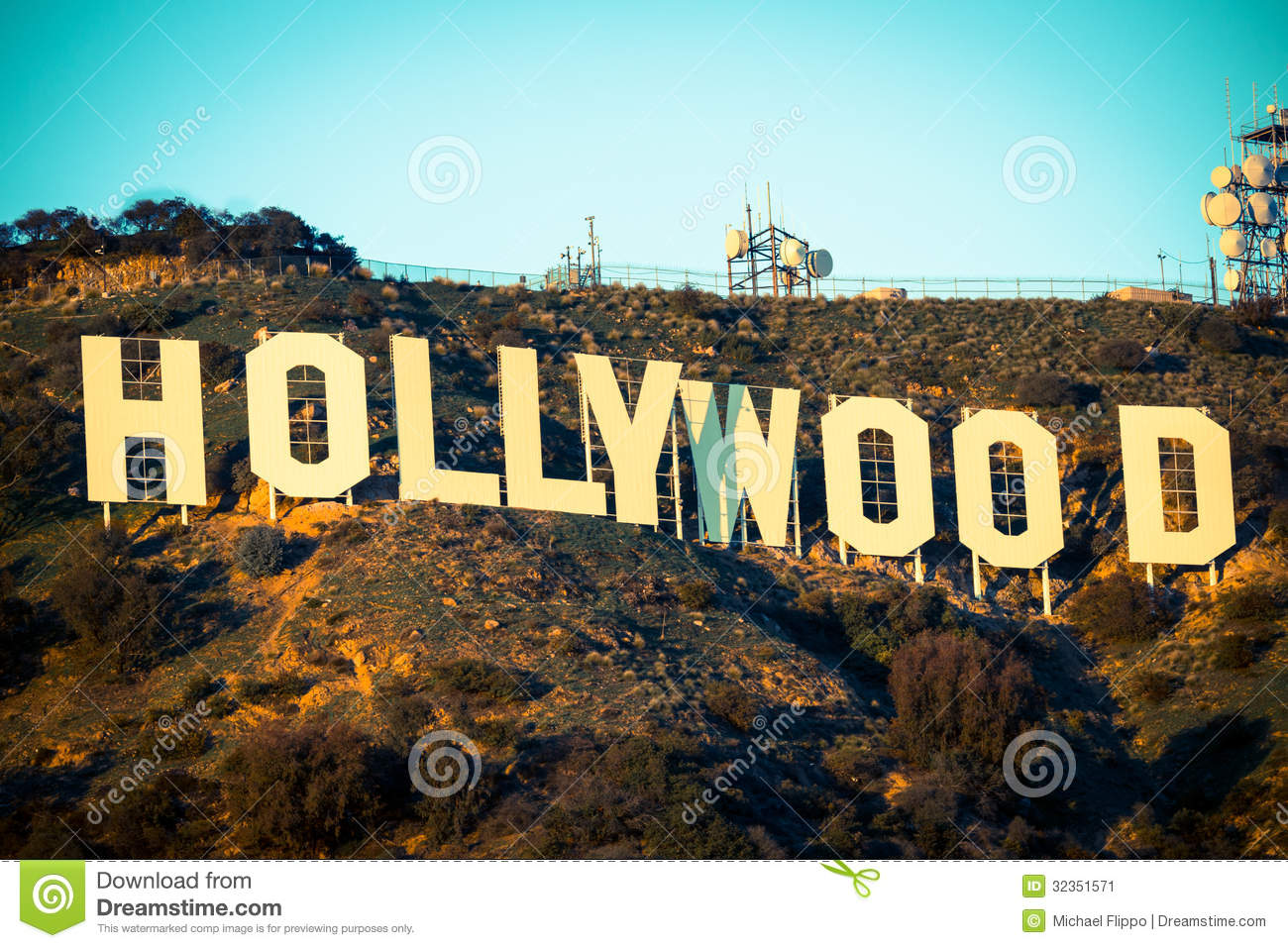 Hollywood Sign Backgrounds Famous Hollywood Sign With The 1300x957