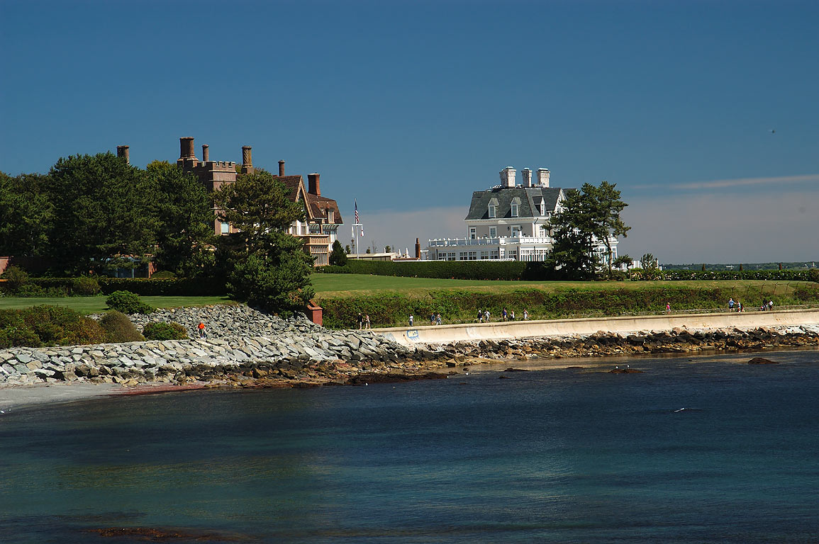 Newport Rhode Island Cliff walk mansions   search in pictures 1155x768