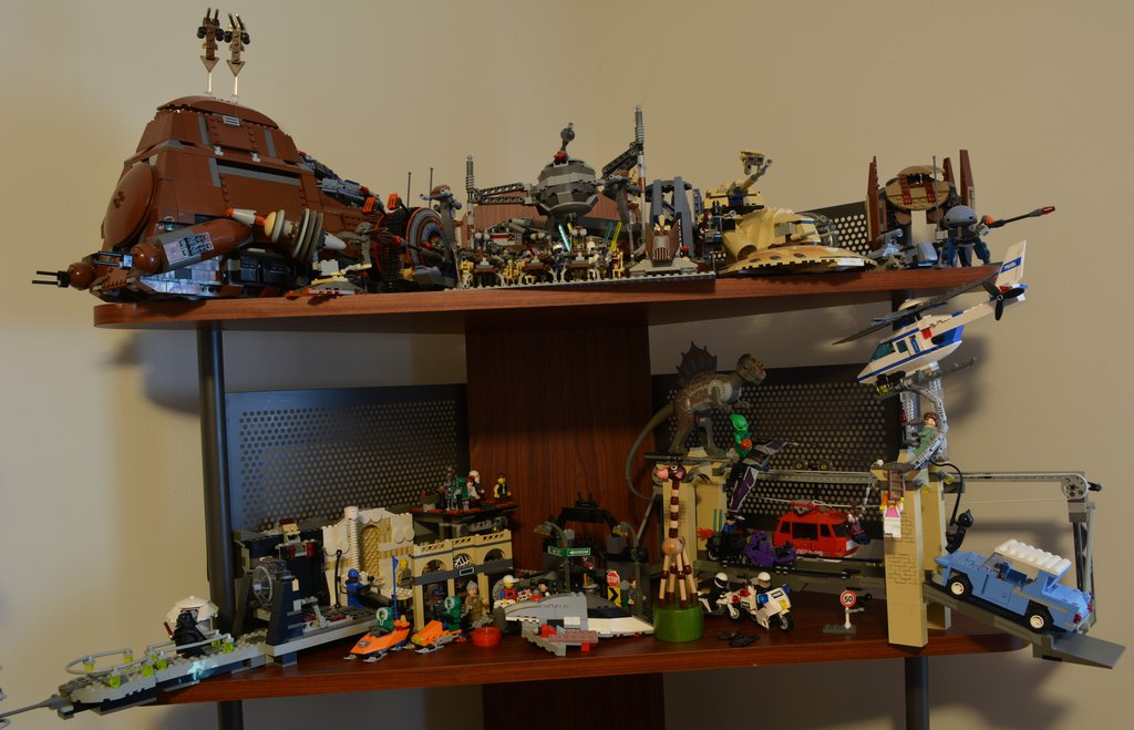 Lego Room Pictures Taken as of October 30th 2014 8 by ENT2PRI9SE on 1024x659